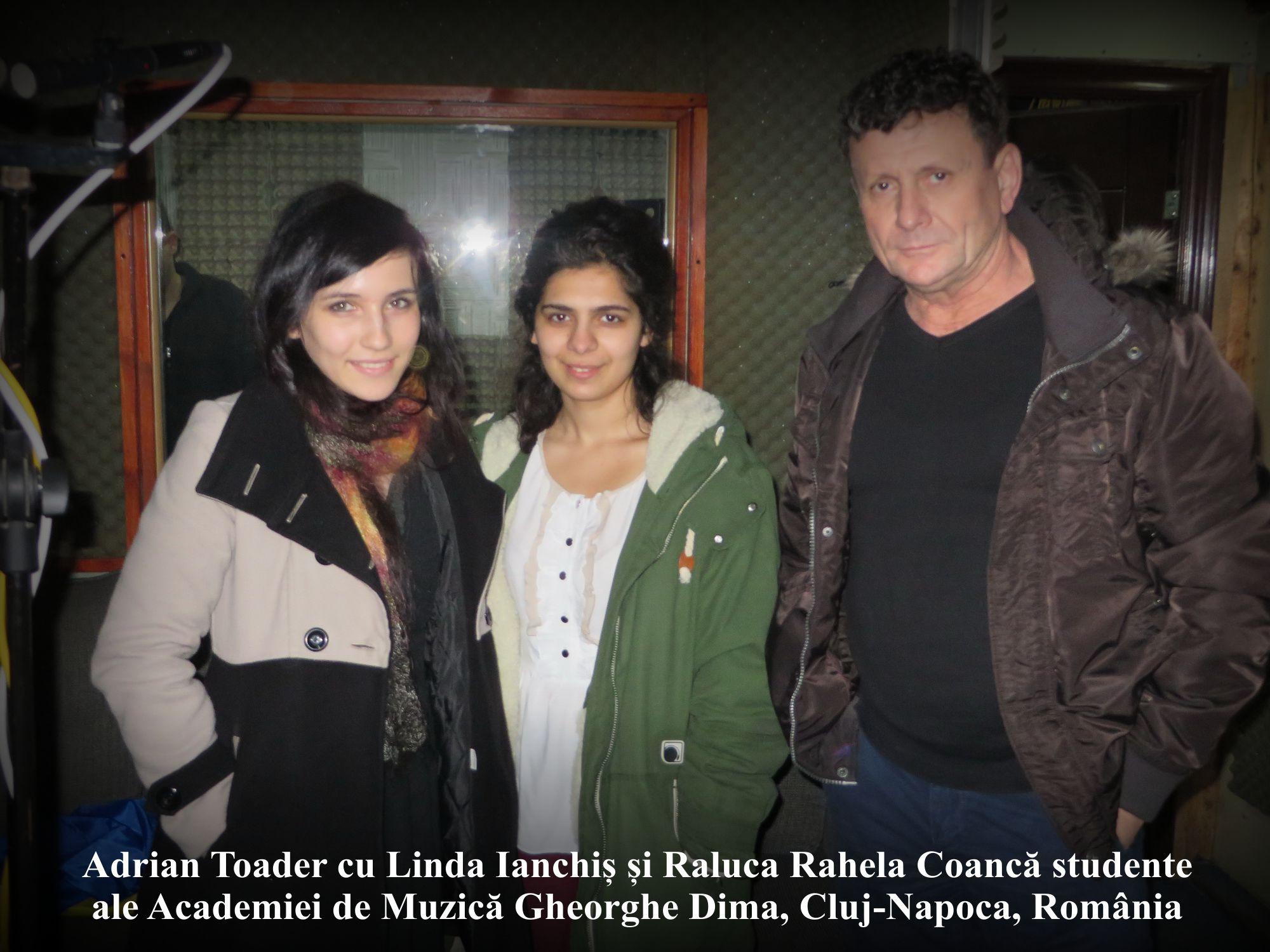 A-_Linda_Ianchiș_&_Raluca_Rahela_Coancă_&_Adrian_Toader_ la_inregistrarea_Imnului_Romaniei_cu_Un_Suflet_de_Roman